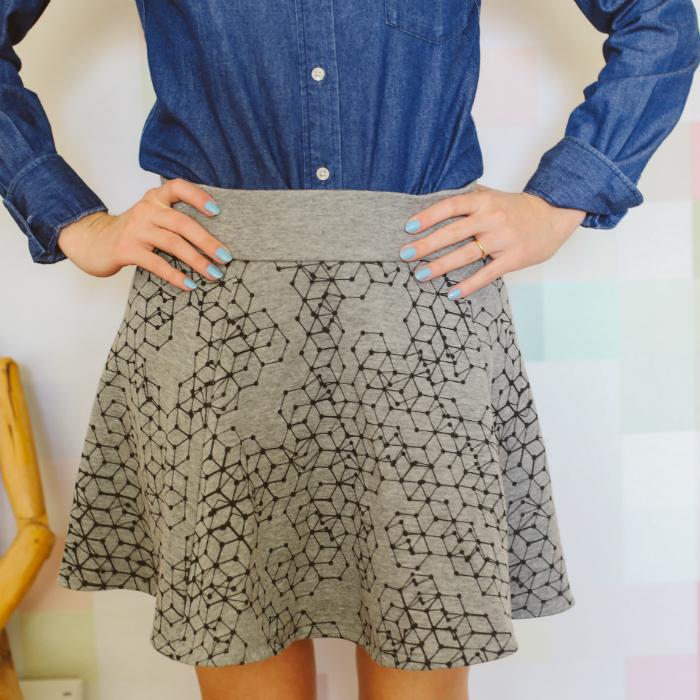 mini-saia-e-camisa-esmalte-colorido