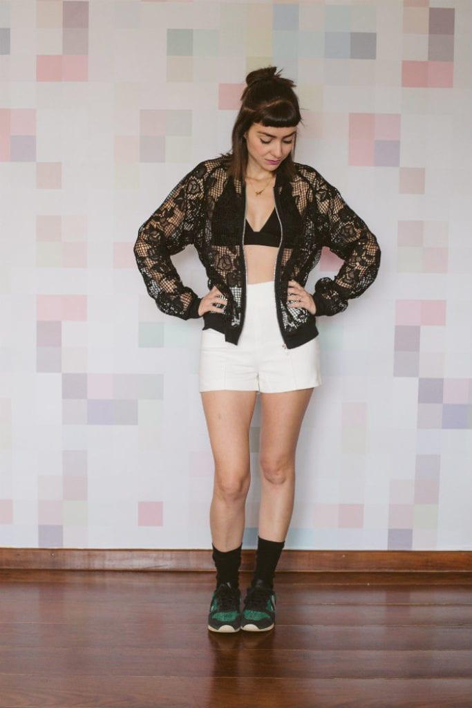 short-branco-e-jaqueta-1